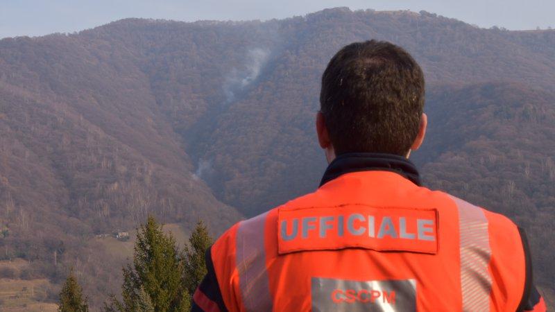 Incendio di bosco in Valle di Muggio